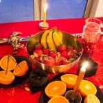 201208-mesa-frutas